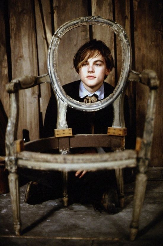 Terrific Face In Chair Leo Young Leo Leonardo Dicaprio Photos Interior Design Ideas Lukepblogthenellocom