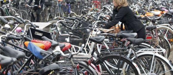 Fiets blijft hét vervoermiddel in Nederlandse steden