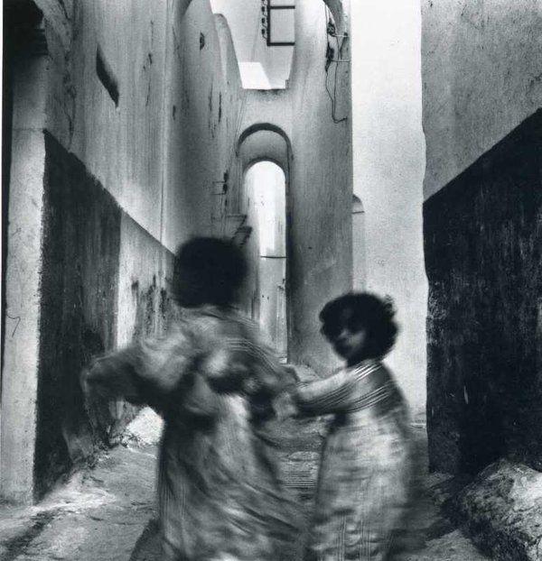 Running Children, Morocco, 1951, Irving Penn.