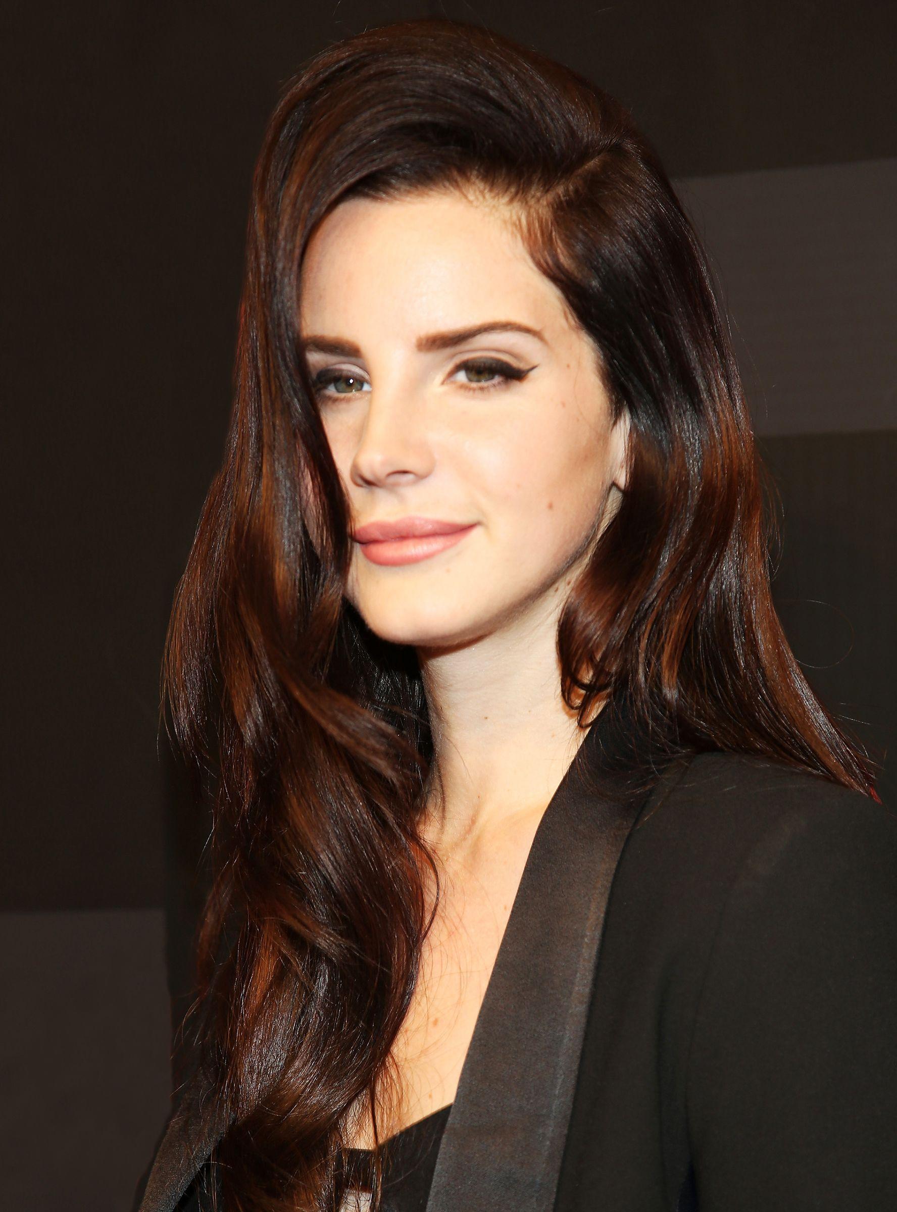 Lana Del Rey Haircut : haircut, Chopped, Signature, Hair+#refinery29, Styles,, Hair,, Haircuts