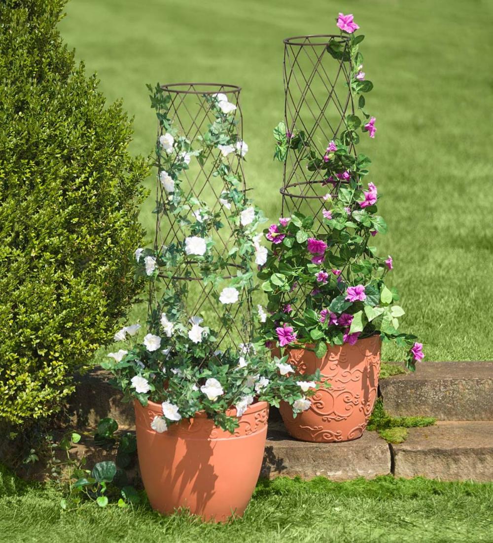 Metal Planter Pot Trellis In 2020 Pot Trellis Planter Trellis Decorative Planters