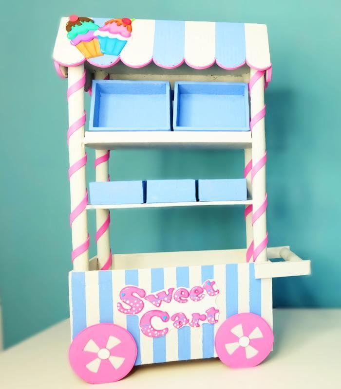 Este carrito dulcero o carreta de dulces está hecho con cartón. ¡Tú ...