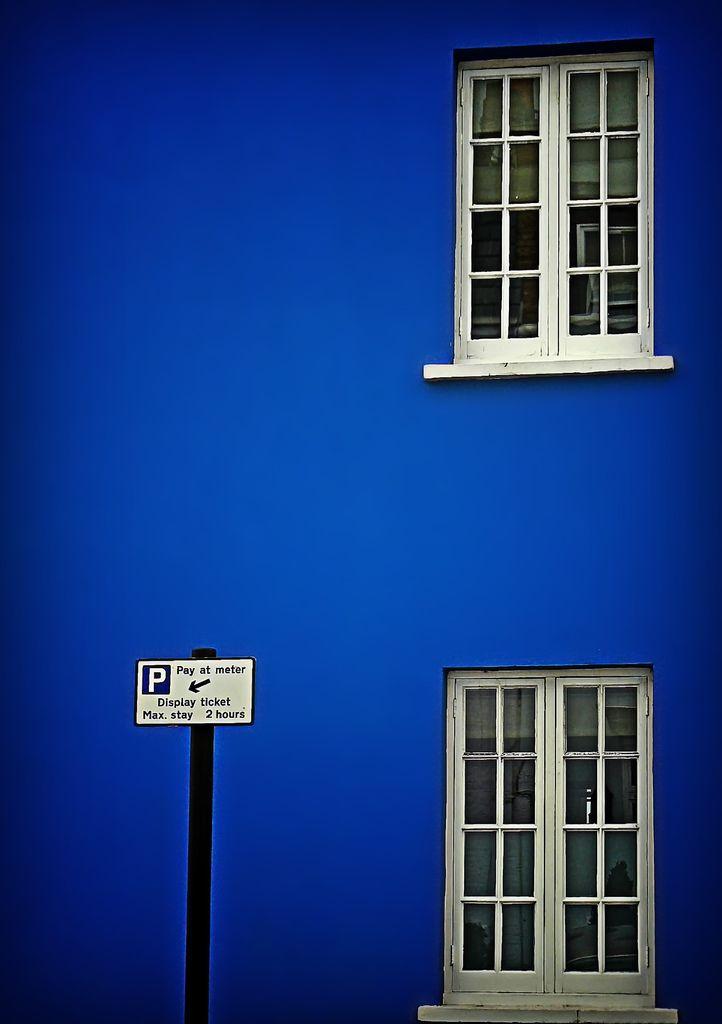 blue Chelsea windows (by maistora)