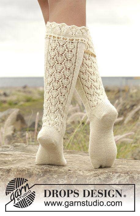 Medias de punto DROPS con patrón de calados en | calcetines ...
