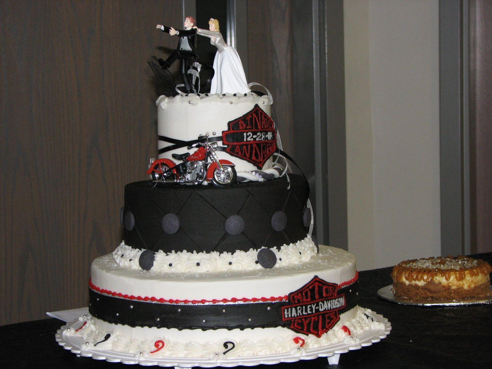 Harley davidson wedding cake toppers harley wedding de for Decoration maison harley davidson