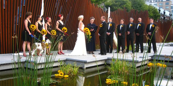 "Bold, brilliant sunflowers make summer weddings brighter. Photo by Luxe Event Productions, with the article, ""Sunflowers for Summer Weddings"" on http://weddings.gatheringguide.com/ac/wedding-flowers-ideas-trends/sunflowers-for-summer-weddings"