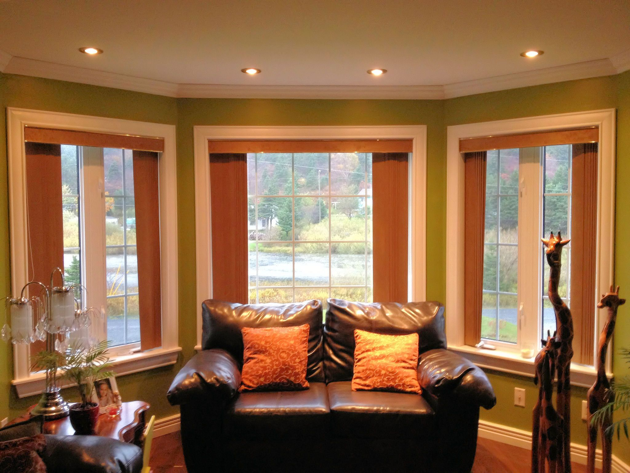 Great Distinctive Interiors   Beautiful Painted Pine Crown, Window Casing And  Baseboard