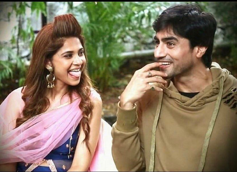 Harshad Chopda On Instagram Tongues Out Jenshad Jenniferwinget Harshadchopda Major Missing Jennifer Winget Cute Couples Celebrities