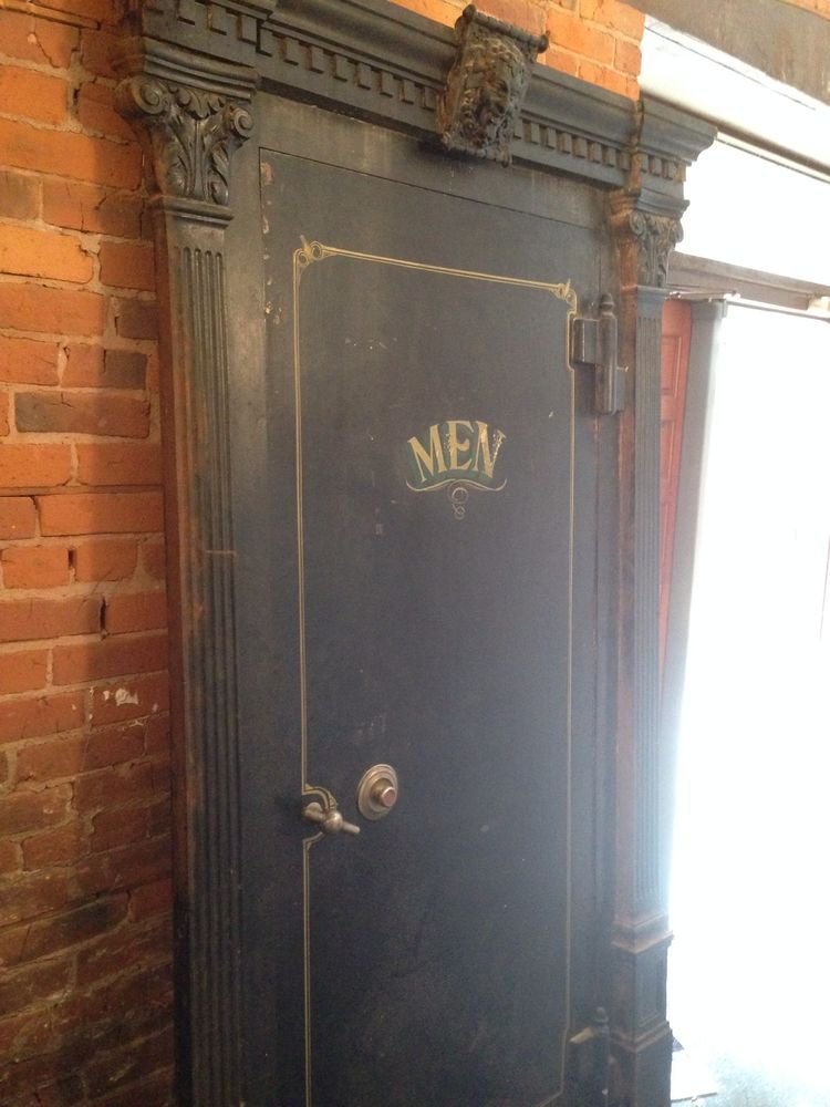 Antique vintage industrial safe vault bank door wine cellar surround - Mosler Antique Safe/Vault Circa 1920's In Very Good Condition