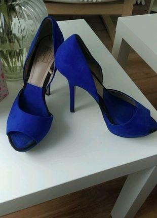 Kaufe meinen Artikel bei #Kleiderkreisel http://www.kleiderkreisel.de/damenschuhe/hohe-schuhe/109763888-sexy-elegante-royal-blaue-sandalen