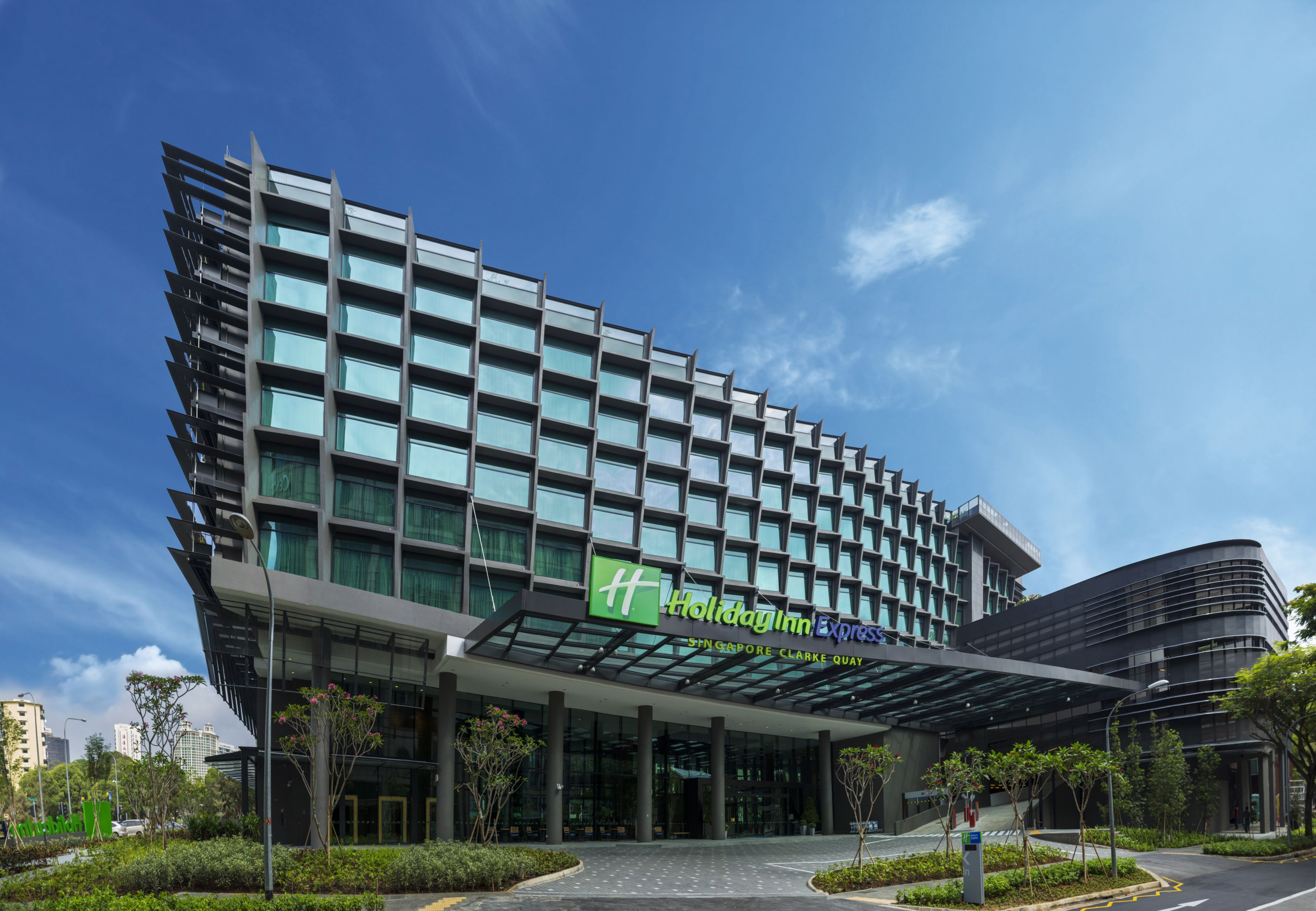 The New Holiday Inn Express Singapore Clarke Quay Is The Smart Choice For Savvy Business And Leisure Traveler Holiday In Singapore Singapore Hotels Holiday Inn