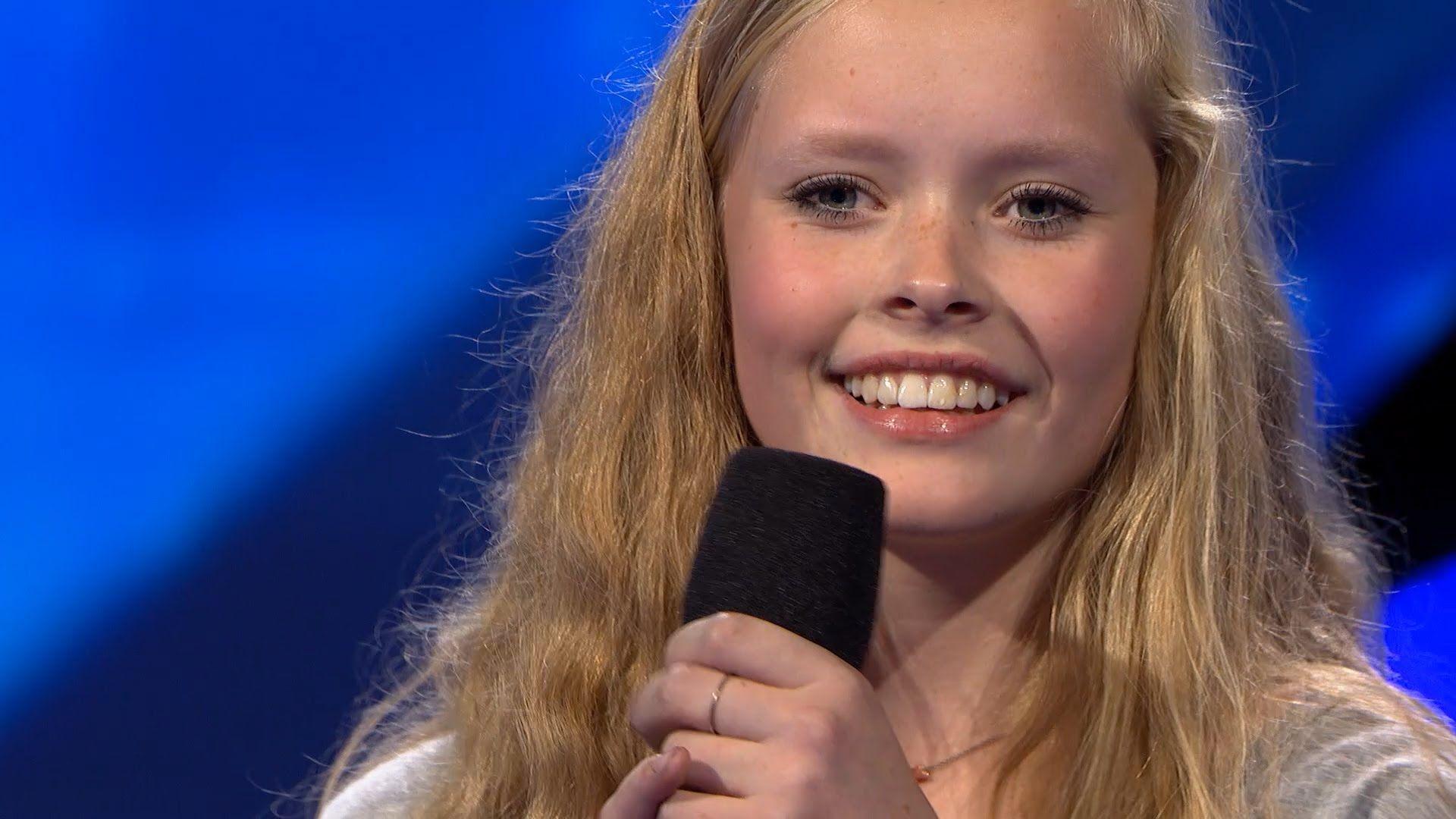 Publikum elsker 15-årige Emilie i 5 Chair Challenge - X FACTOR 2015 - DR1