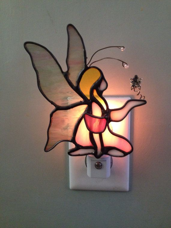 Vitrail f e w charme veilleuse ou sun catcher vitrail for Miroir vitrail modeles