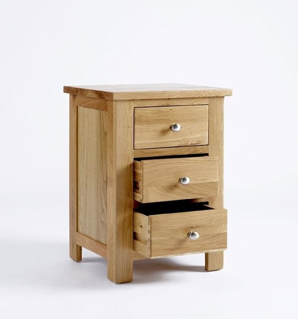 Bonsoni Ludlow Oak Bedside Cabinet Crafted From Solid American And Carefully Selected Veneers