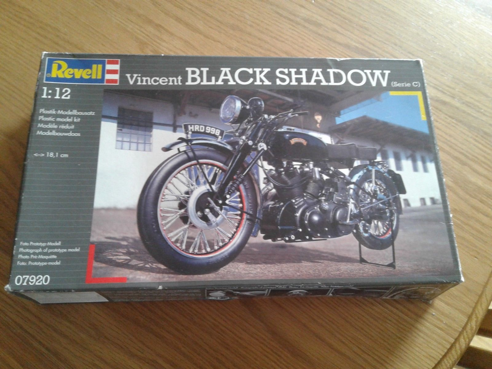 Revell Motorcycle Model 1 12 Vincent