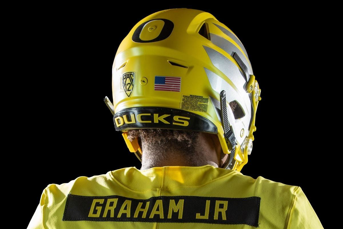 Ducks to wear yellow uniforms against bowling green