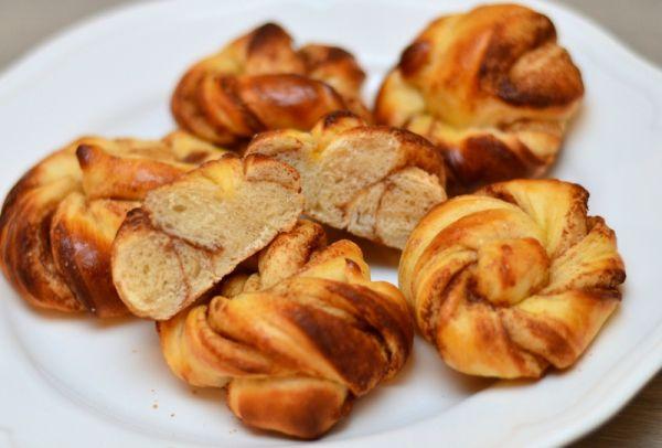 Sukkerfrie og luftige kanelknuter (Bakekona)