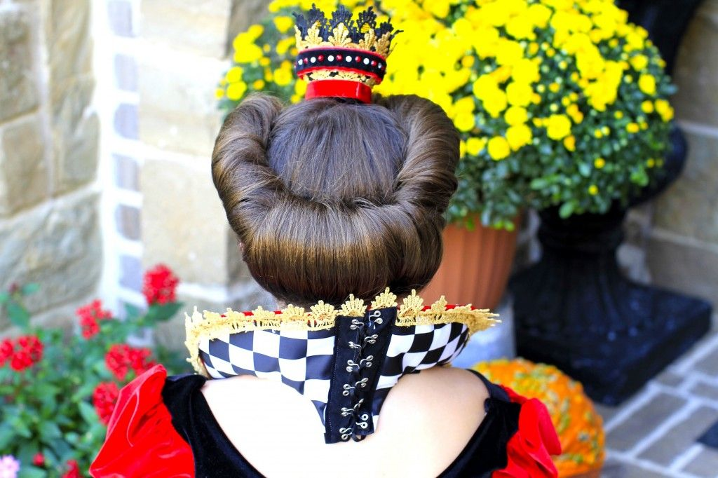 An awesome hairstyle tutorial for the Queen of Hearts