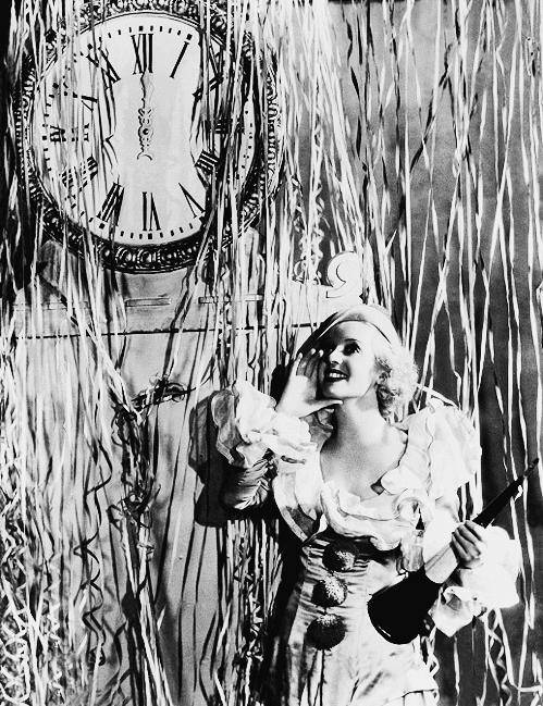 1930s New Year's Eve! #1930s #bette #davis #vintage #party   Bette davis,  Vintage happy new year, Old hollywood