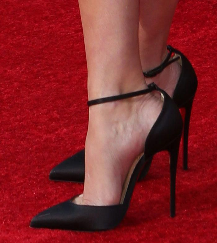 7cd82dcbece4 Reese Witherspoon in Christian Louboutin Uptown pumps  ChristianLouboutin