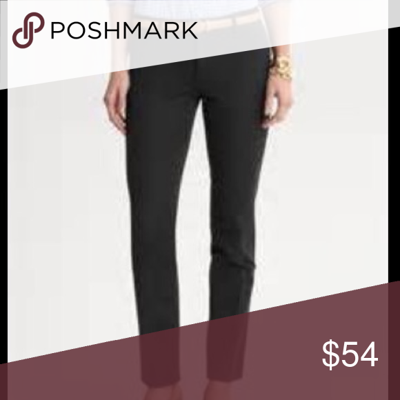 STILL IN STORES❗️BR Sloan Fit Ankle Pant in Black Perfect condition, only worn twice and freshly dry cleaned! I will miss these so much but they are no longer my size. Perfect staple item for your professional wardrobe! Questions and offers are more than welcome. I can post more pics if there is interest. Bundle to save even more! ✨✨👏🏻 Banana Republic Pants Ankle & Cropped