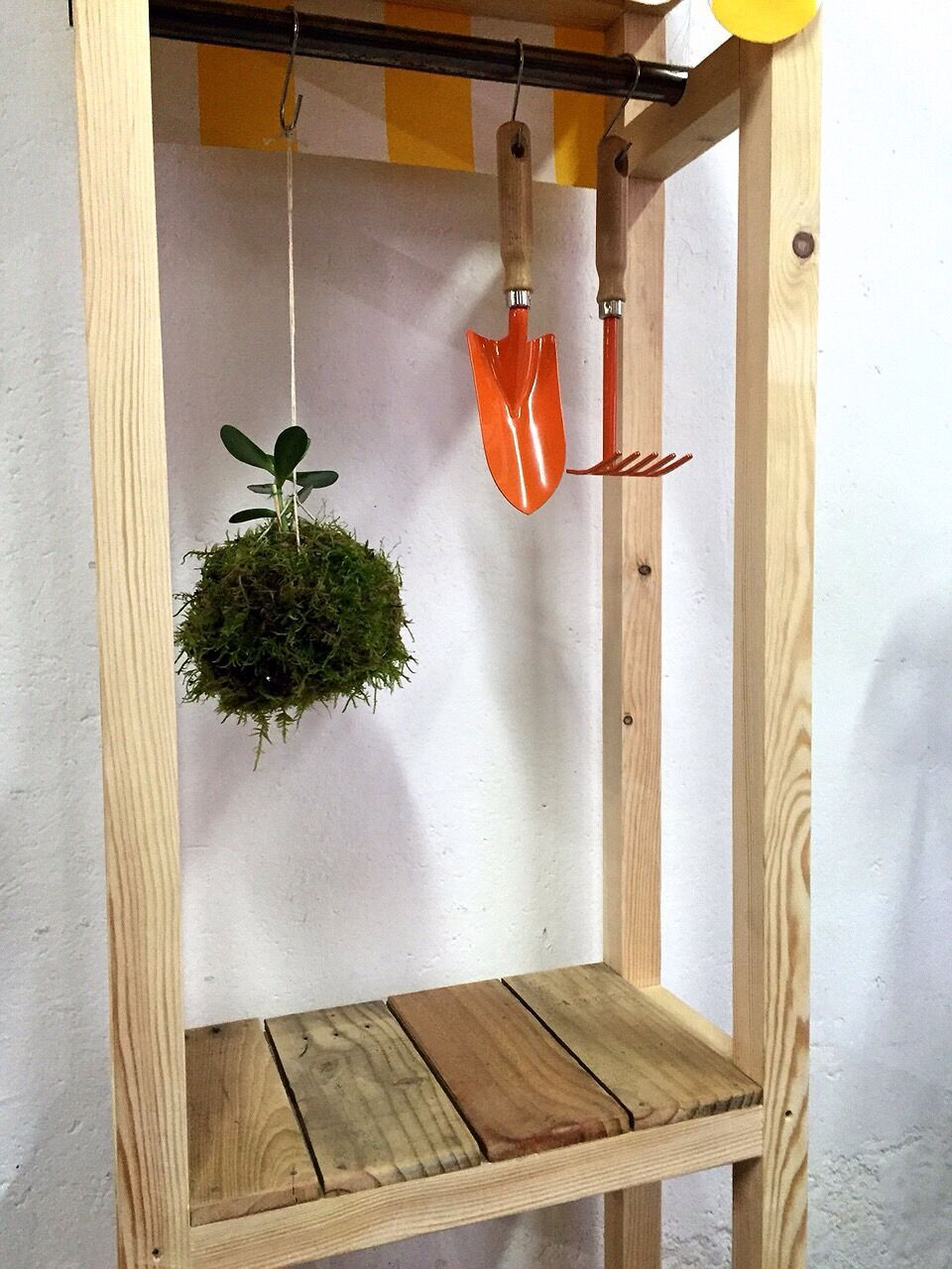 Jardinera a medida confeccionada con madera de pino y - Jardineras a medida ...