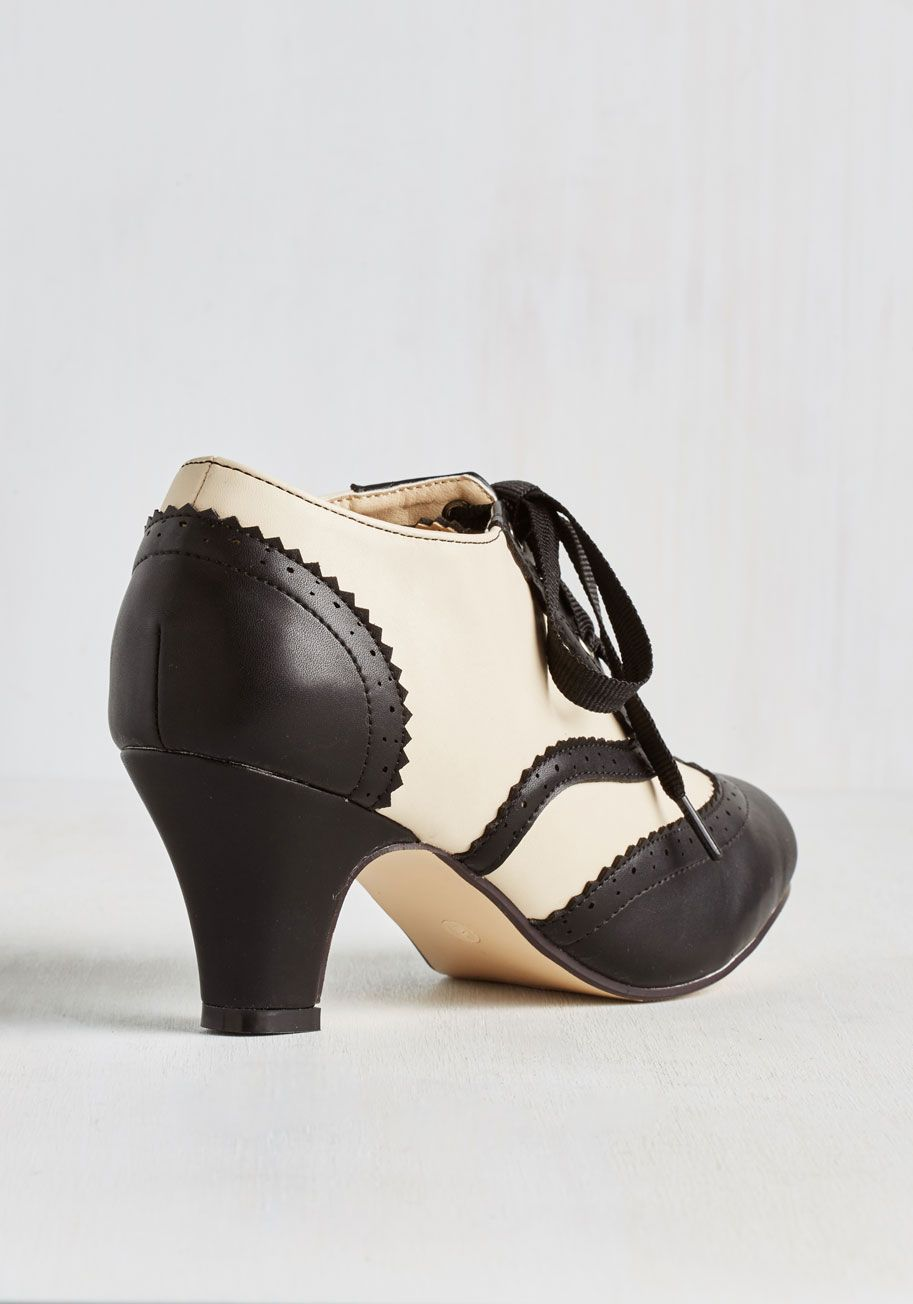 Dance it up heel in black and ivory is today one of those
