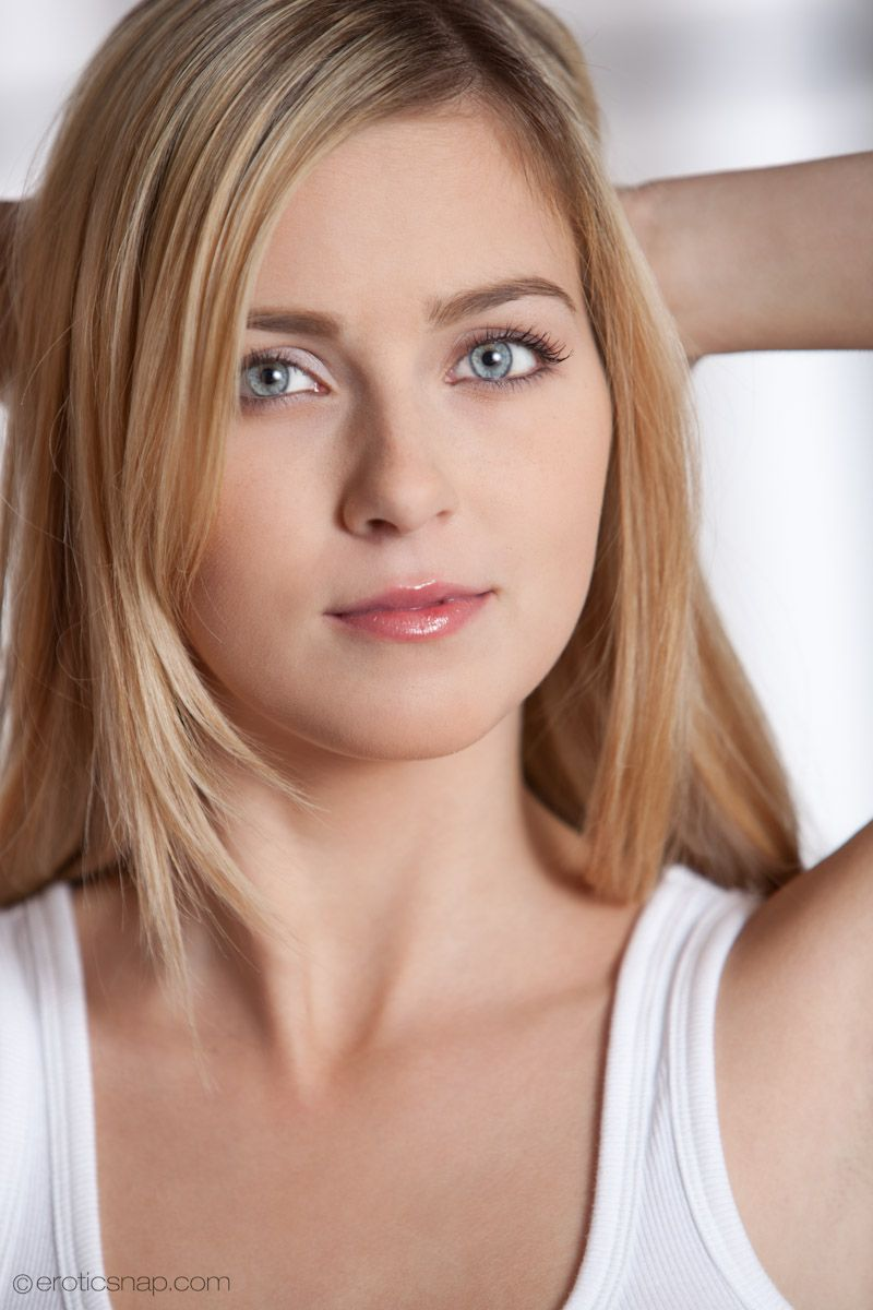 Cute blond porn stars