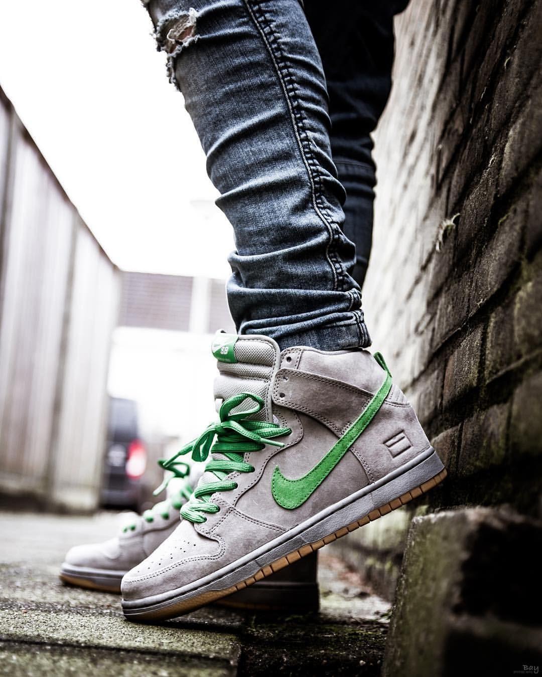 cheaper ded01 31a45 Nike SB Dunk Mid