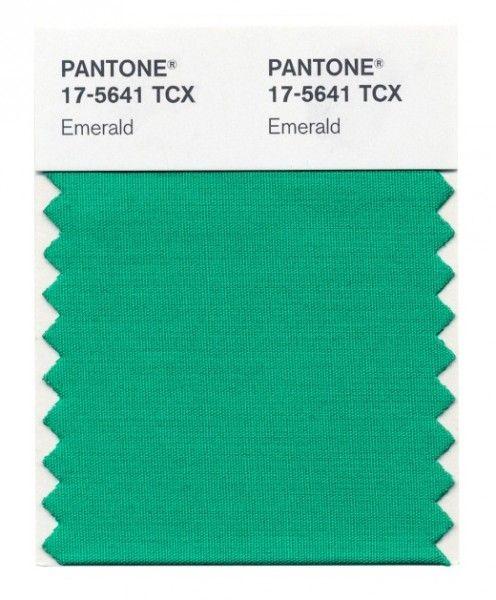 Emerald >the color of 2013   According to Pantone & Textilia