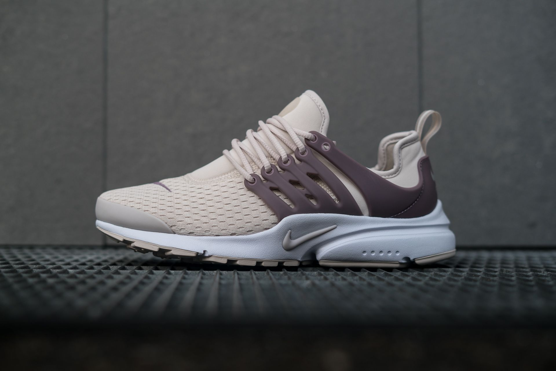 Nike W Air Presto Light Orewood Brown. The classic is back!