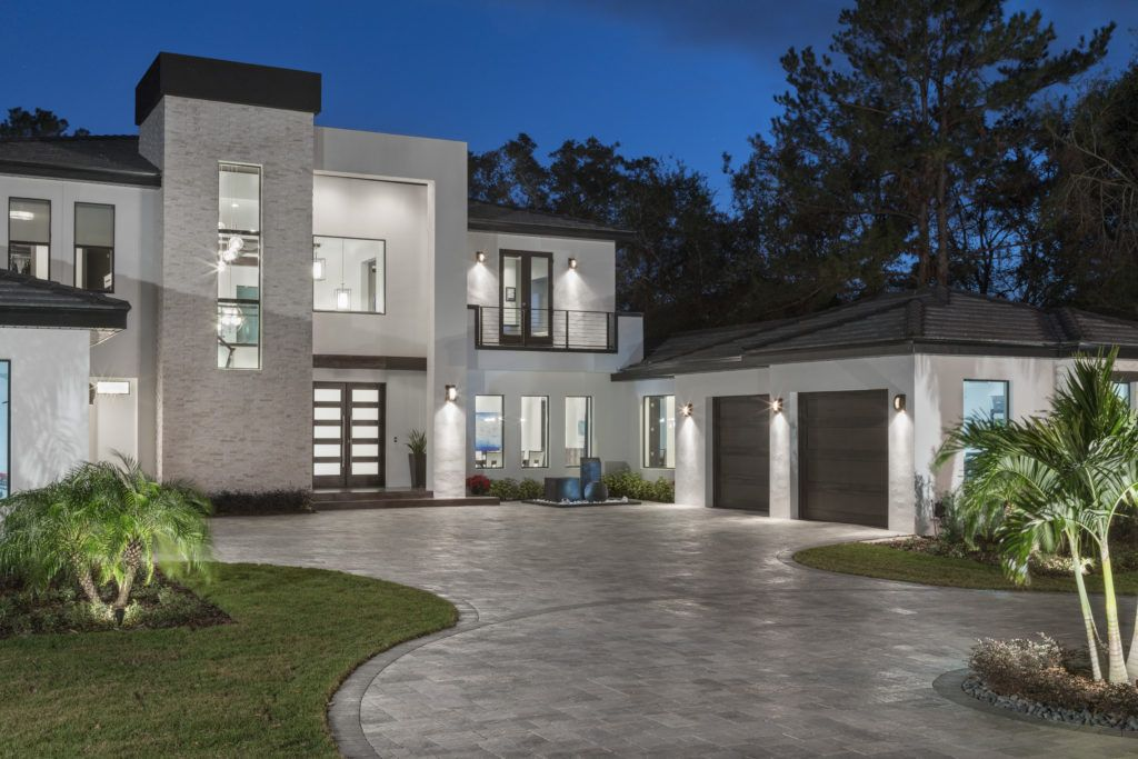 Inverted L Entry Tower Defines The Curb Appeal Of This Florida Modern Home Designed And Built By Or Custom Home Builders Custom Homes Luxury Homes Dream Houses