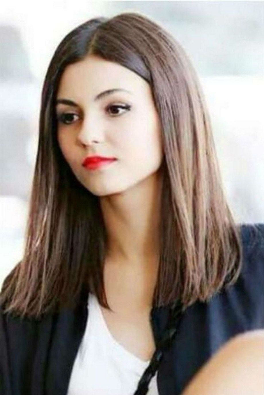 35 Straight Medium Length Hairstyles for Women You will Love straightmediumlengthhairstyles straighthairstyles mediumlengthhairstyles > sassykatchy com is part of Victoria justice hair -