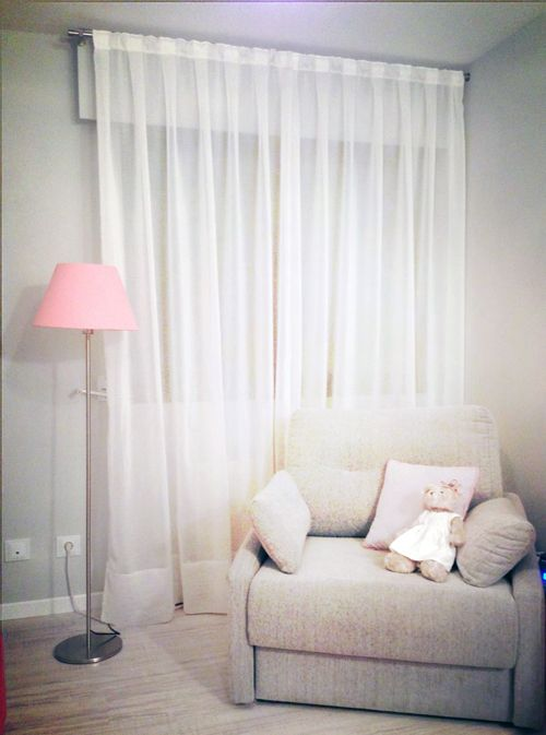 La habitación de Marina / O quarto da Marina ... Gray and pink!
