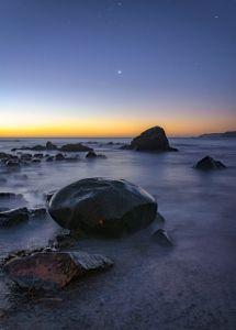 Noche de playa by Carlos Guevara V.