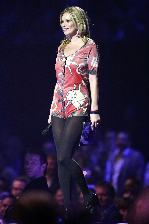 Moss kate wears ziggy stardust fashion history video