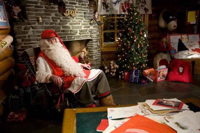 Viaggio Villaggio Di Babbo Natale.Una Visita Al Villaggio Di Babbo Natale A Rovaniemi In Finlandia Babbo Natale Natale Villaggio