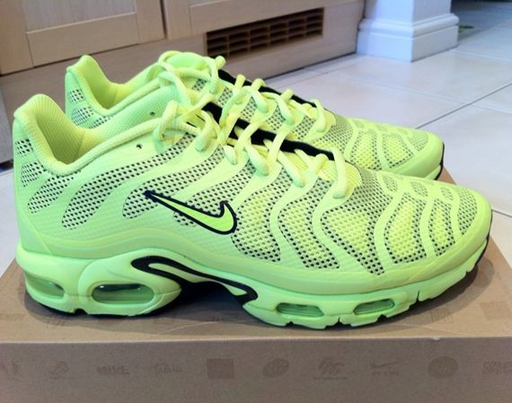 The very flashy Nike Air Max Plus Fuse - Volt