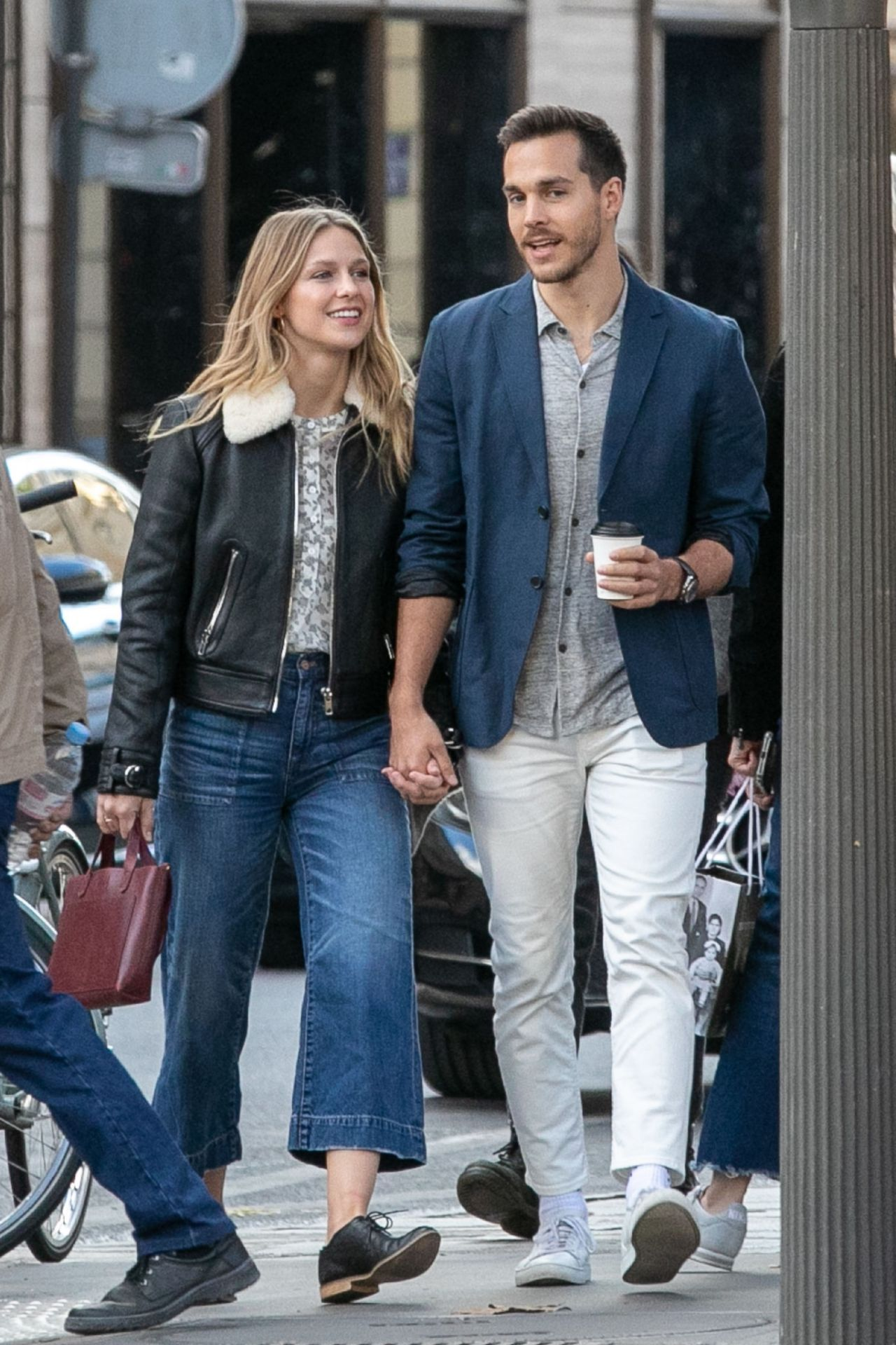 Melissa Benoist And Chris Wood Strolling On Rue Royale In Paris Https Ift Tt 2okqcgy Chris Wood Melissa Supergirl Melissa Benoist