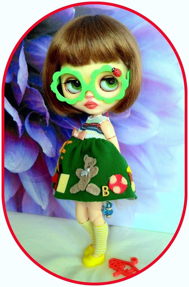 Adorable nursery Blythe outfit* dress* eyeglasses* shoes* dresshanger* sock*