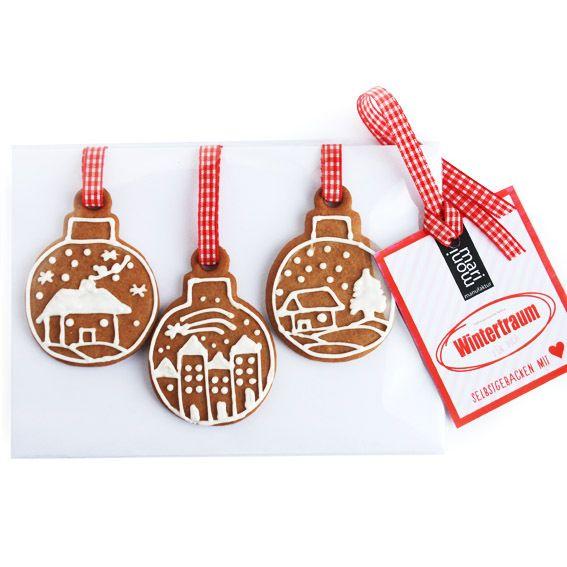 3 Lebkuchen Weihnachtskugeln mit Winterdorf von ideen-depot auf DaWanda.com