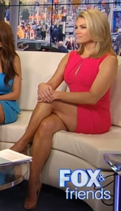 Can News reporter sexy upskirt photo time... Nice