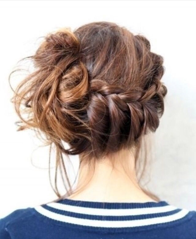 Beautiful Hairstyle For Maybe A Day Or To Hangout With Friends Hair Styles Long Hair Styles Medium Hair Styles