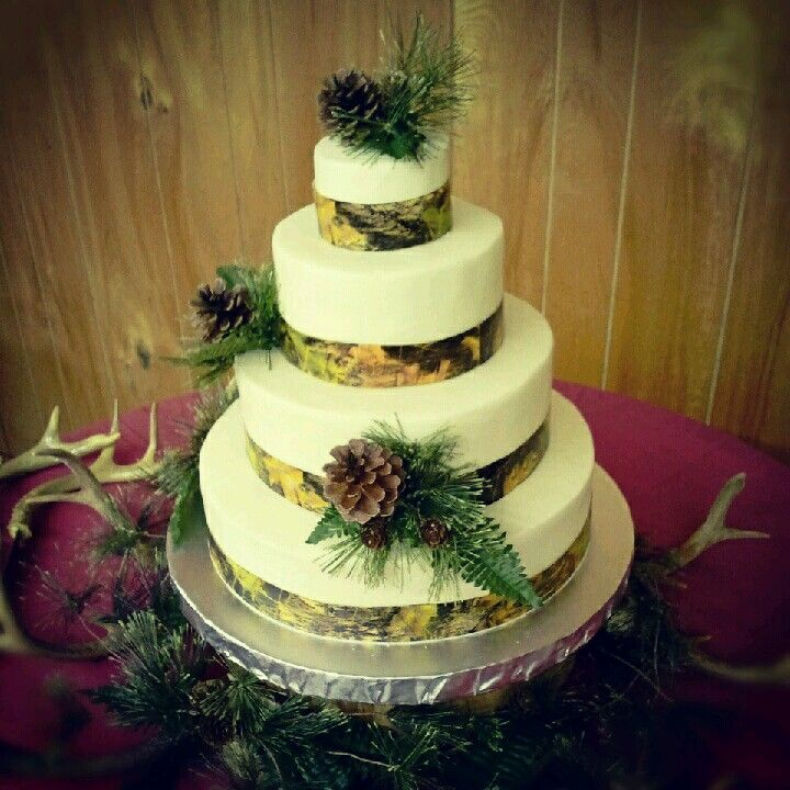 Camo wedding cake | Wedding | Pinterest | Camo wedding cakes, Camo ...
