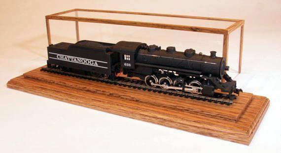 12 8243  HO Gauge Golden Oak Model Train Display C  12 8243  HO Gauge Golden Oak Model Train Display C