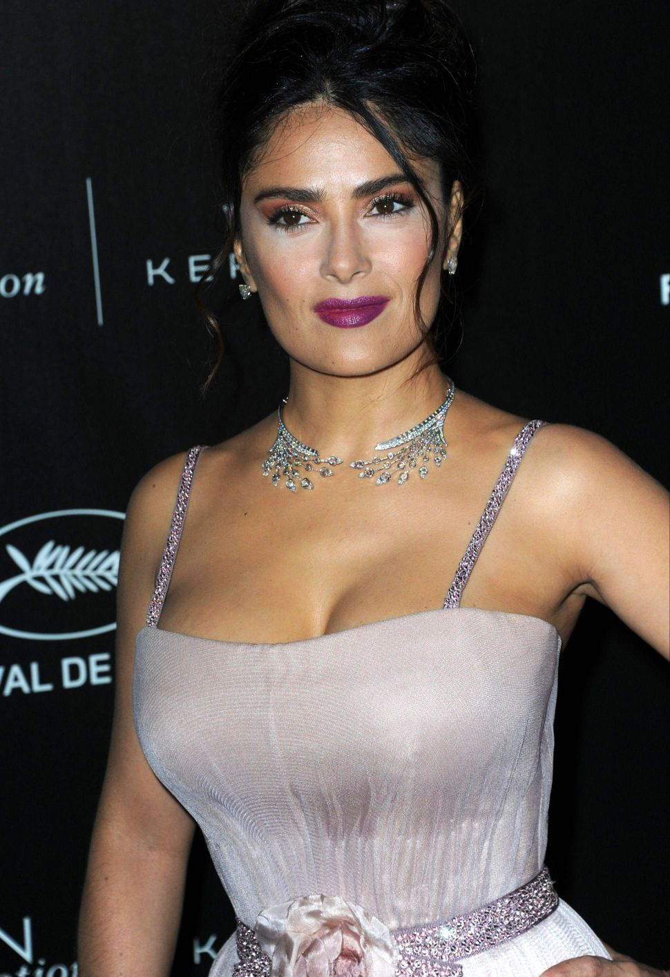 Salma Hayek Joins Eugenio Derbezedy 'how To Be A Latin Lover'