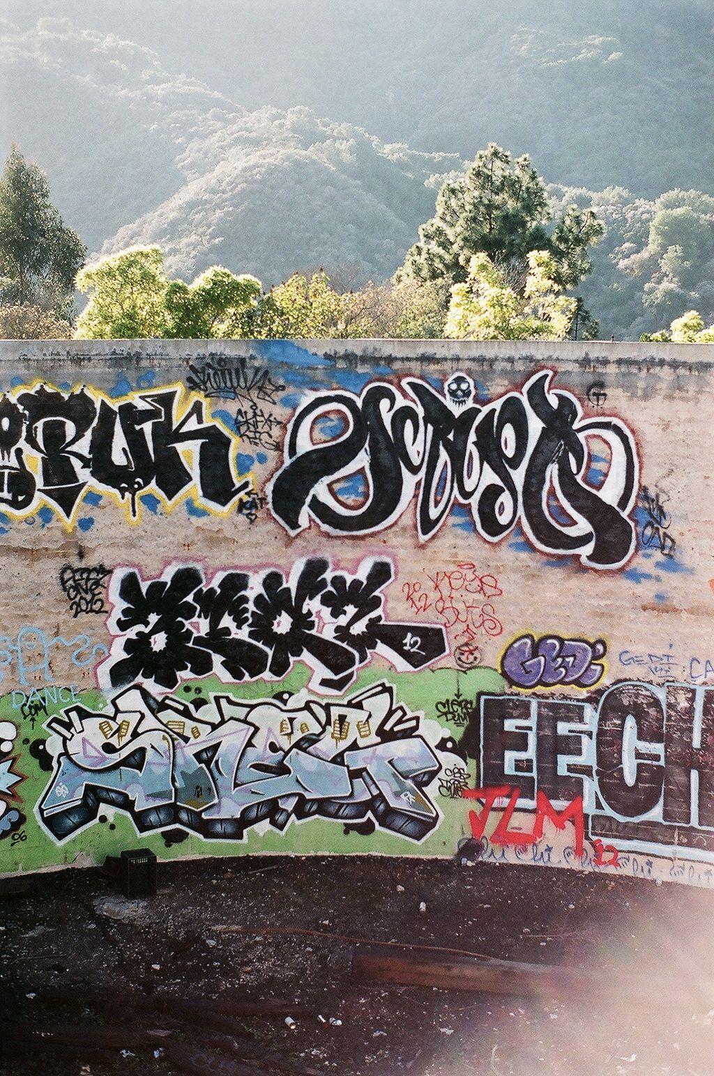 Graffiti hike : Los Angeles | photothentic.com | Wazer | Pinterest ...