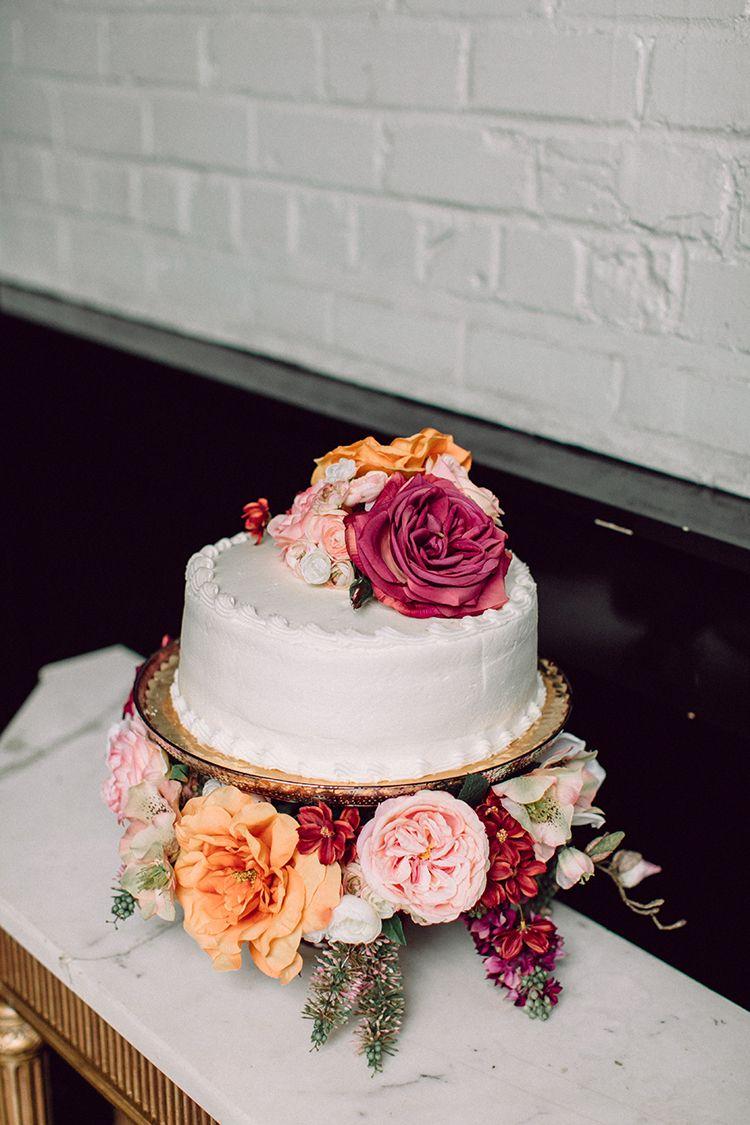Shoprite Wedding Cakes : shoprite, wedding, cakes, Grocery, Store, Party, Ruffled, Wedding, Cake,, Fresh, Flower, Rustic