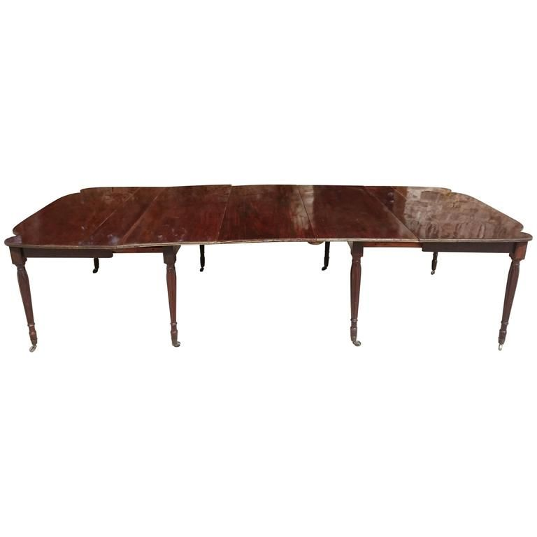 19th Century Regency Mahogany Dining Table With Brass Inlay From