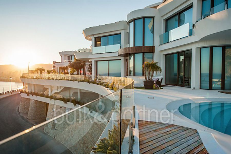 Luxury villa in a class of its own for sale in Benidorm - ID 5500464 - Real estate is our passion... www.bulk-partner.com